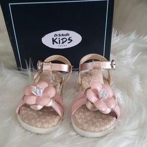 Dr. Scholl's Kid Flower Sandals